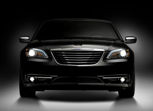 Chrysler-200_2011_2.jpg